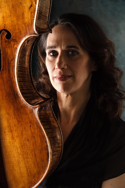 aussergewöhnliches Musikerportrait mit Cello